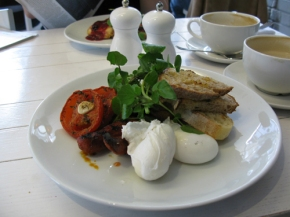 Poached egg with Chorizo and Plantain