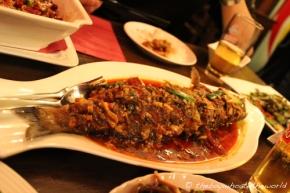 Chengdu dry-braised bass