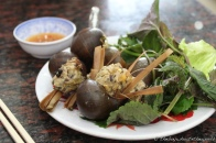 Snails stuffed with pork & lemongrass