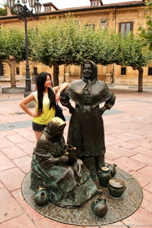 One of many statues in Oviedo...